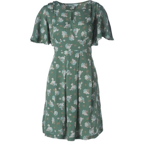 Tall Shelby Flower Tea Dress | New Look
