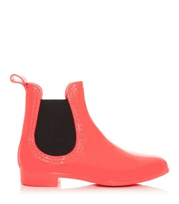 coral-black-chelsea-wellies