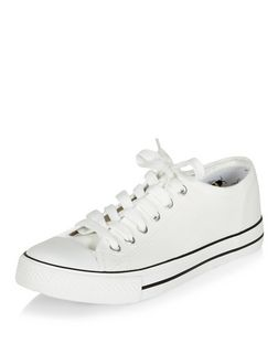 Teens White Bumblebee Print Lined Lace Up Plimsolls  | New Look
