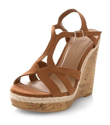 tan-strappy-cork-wedges