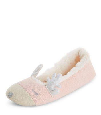 pink-reindeer-slippers