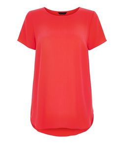 Bright Pink Curved Hem T-Shirt | New Look