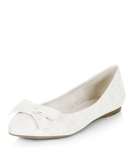 Cream Textured Bow Front Pointed Pumps  | New Look