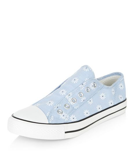 Teens Blue Daisy Print Laceless Plimsolls | New Look