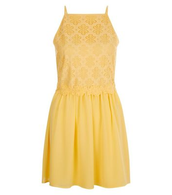 teens-yellow-daisy-lace-high-neck-dress
