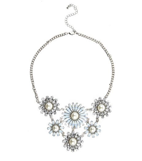 Silver Pearl Daisy Necklace | New Look