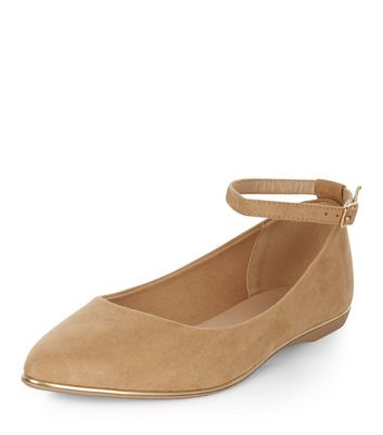 camel-ankle-strap-pointed-pumps