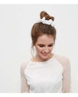 White Floral Lace Scrunchie | New Look