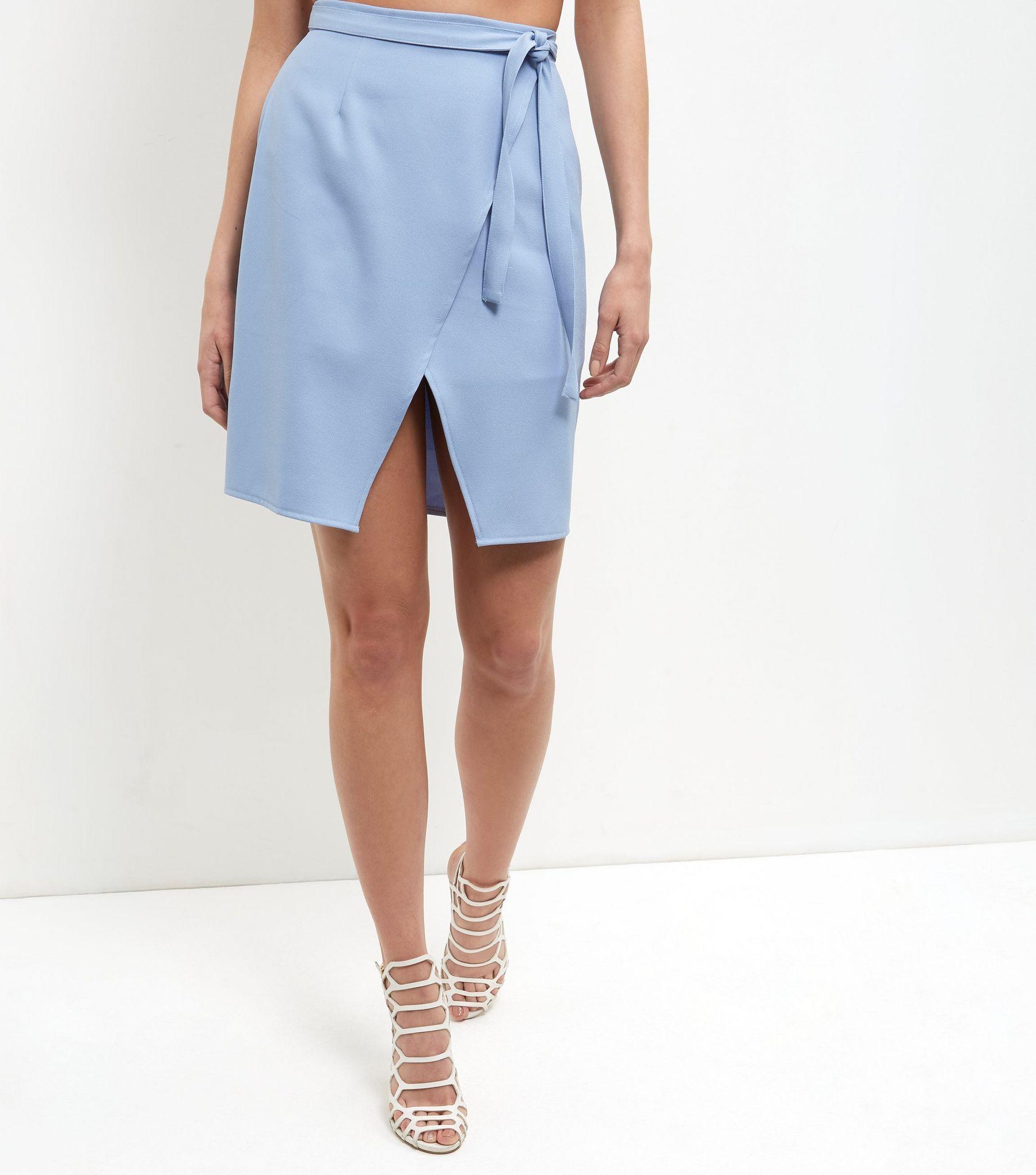 Jupe portefeuille bleu pâle avec liens à nouer | New Look