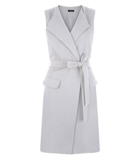 Veste Petite grise sans manches avec ceinture | New Look