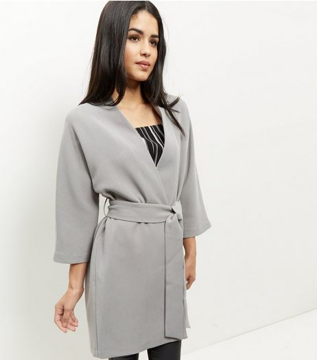 Veste kimono gris avec ceinture | New Look