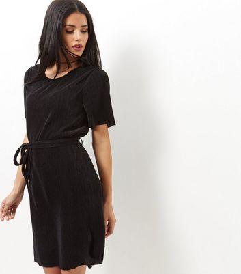 Product photo of Black pleated tie waist tunic dress