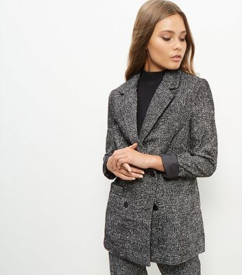black-flecked-longline-suit-jacket