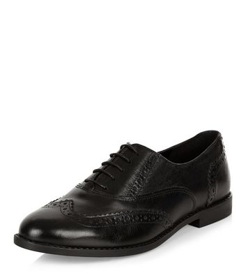 black-leather-embossed-brogues