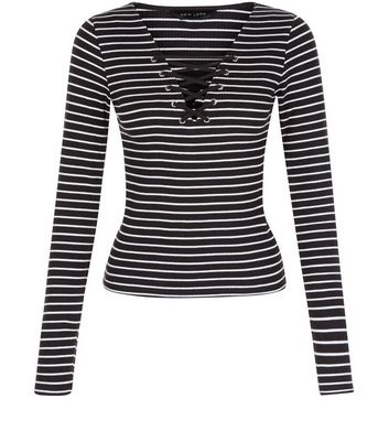 black-stripe-lace-up-long-sleeve-top