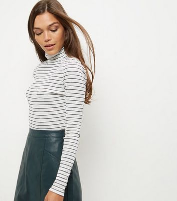 Product photo of White stripe turtle neck long sleeve top
