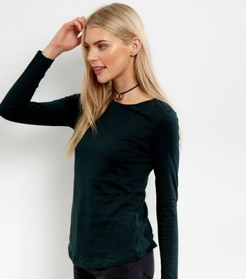 Product photo of Dark green crew neck long sleeve top