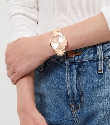rose-gold-sports-watch