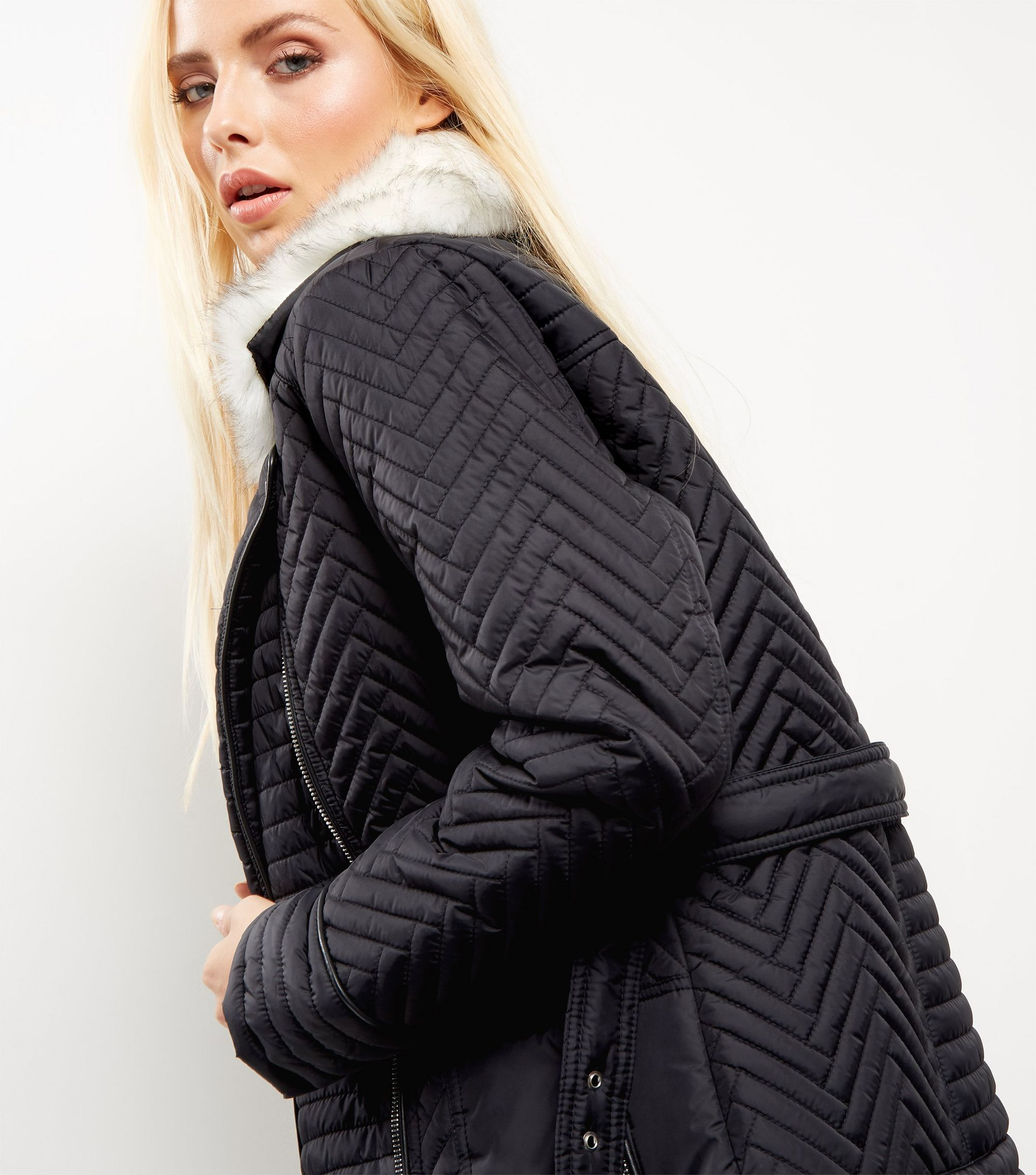 http://media.newlookassets.com/i/newlook/381107601/womens/jackets-and-coats/biker-jacket/black-leather-look-faux-fur-trim-quilted-biker-jacket/?$new_pdp_szoom_image_2000$