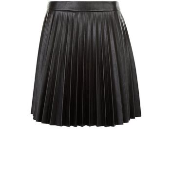 Product photo of Petite black leatherlook pleated skirt