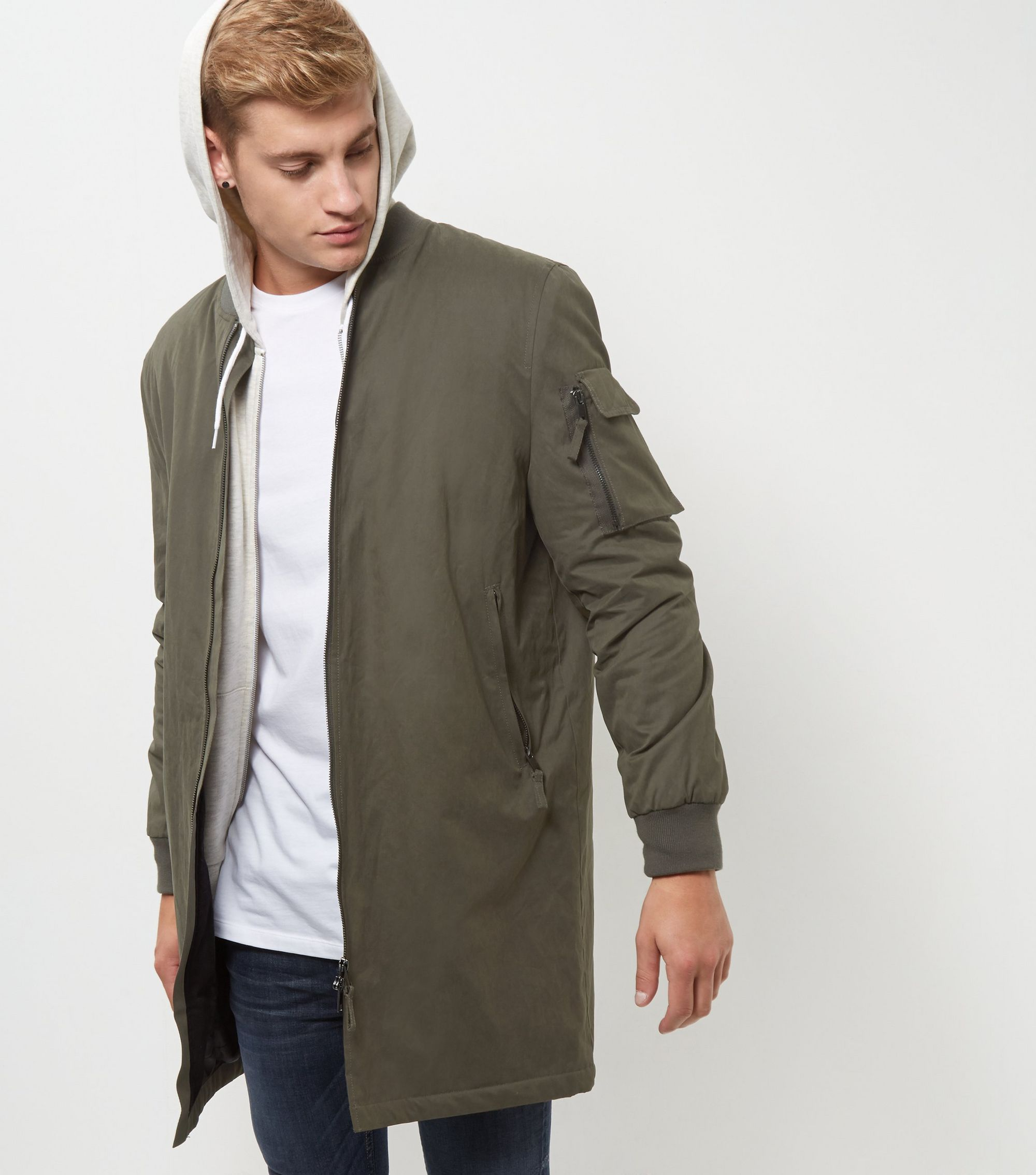 http://media.newlookassets.com/i/newlook/382432534/mens/jackets-and-coats/jackets/khaki-longline-bomber-jacket/?$new_pdp_szoom_image_2000$