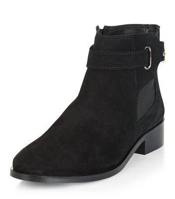 black-leather-buckle-chelsea-boots