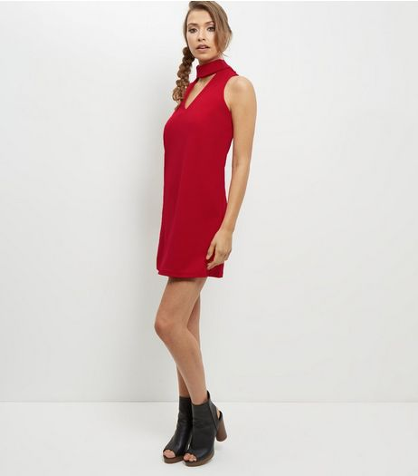 Red Cut Out Choker Neck Shift Dress | New Look