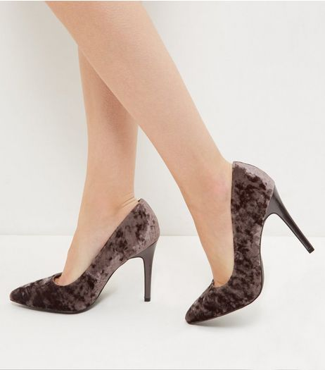 Wide Fit Grey Velvet Pointed Court Shoes | New Look