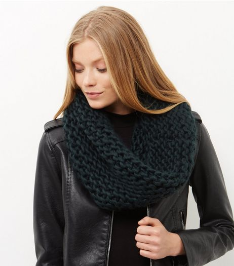 Green Knitted Snood | New Look