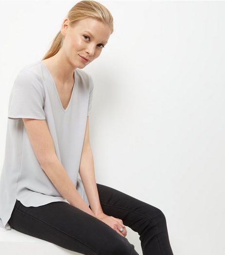 Pale Grey V Neck Dip Hem T-Shirt  | New Look