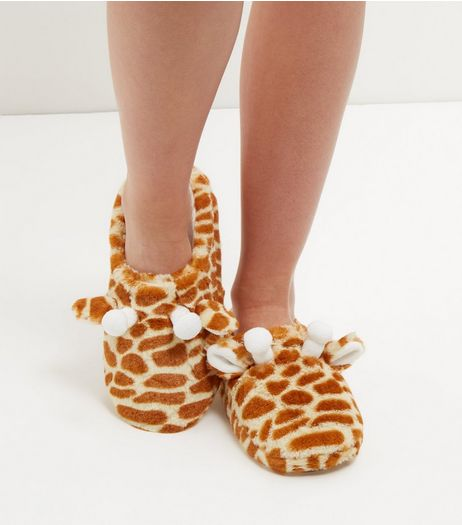 Brown Giraffe Slippers | New Look