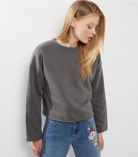 Pale Grey Wide Sleeve Sweater   | New Look