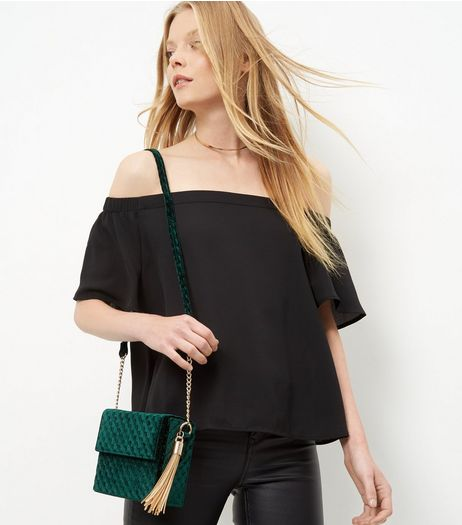 Dark Green Velvet Quilted Shoulder Bag | New Look