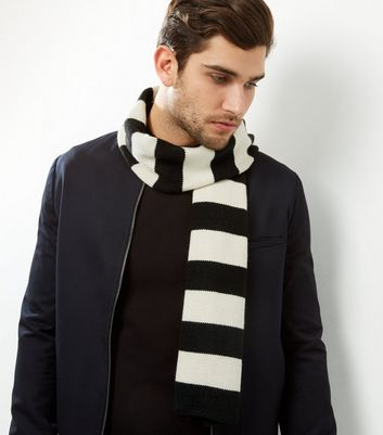 Product photo of Monochrome stripe scarf