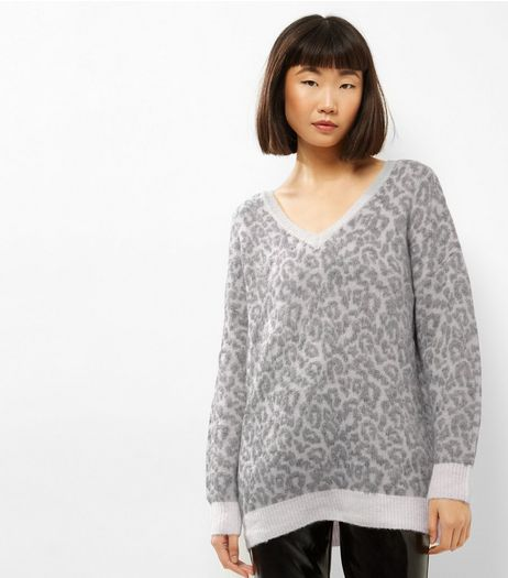 Tall Grey Leopard Print V Neck Jumper | New Look