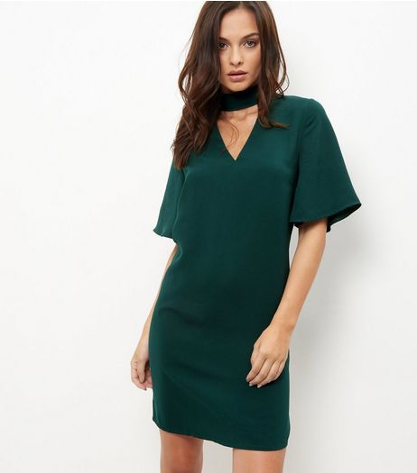 Dark Green Choker Neck 1/2 Sleeve Dress | New Look