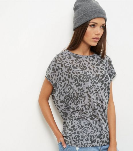 Grey Leopard Print Cocoon T-Shirt  | New Look