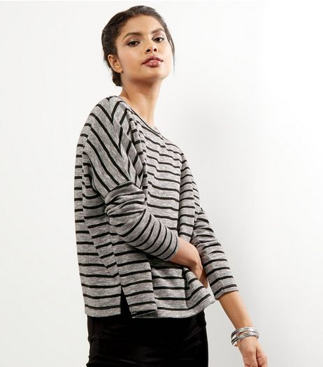 Light Grey Stripe Batwing Sleeve Cropped Sweater | New Look