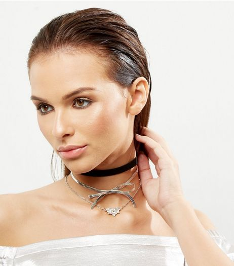 3 Pack Crystal Bow Chokers  | New Look