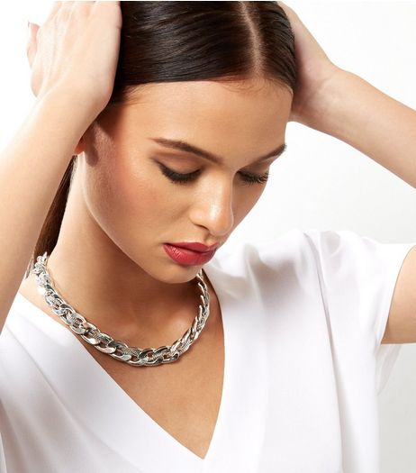 Silver Chunky Thread Through Chain Necklace | New Look