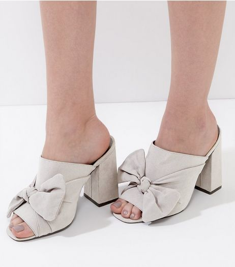 Wide Fit Grey Suedette Bow Front Heeled Mules | New Look