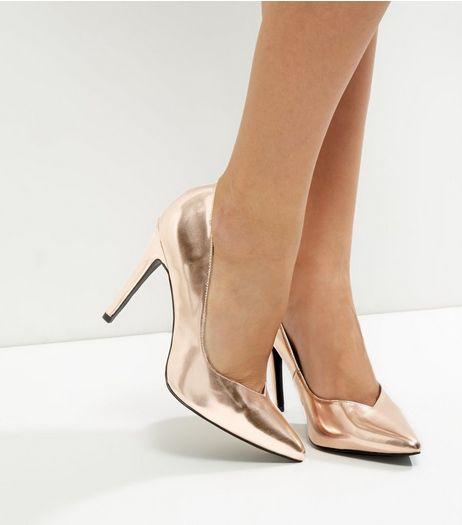 Wide Fit Rose Gold Metallic V Throat Toe Court Shoes | New Look