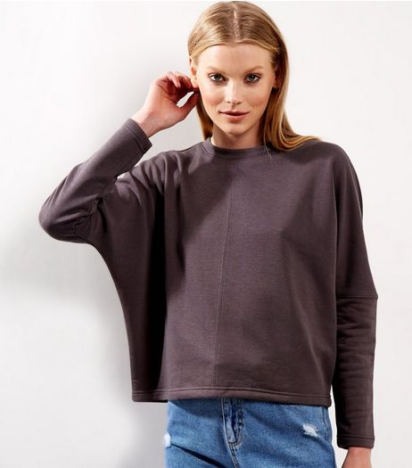 Dark Grey Batwing Sleeve Cropped Sweater | New Look