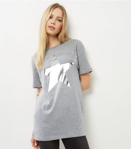 Grey Foil Star Print Boyfriend T-Shirt | New Look