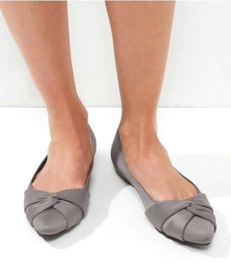 Wide Fit Grey Sateen Knot Front Pumps | New Look
