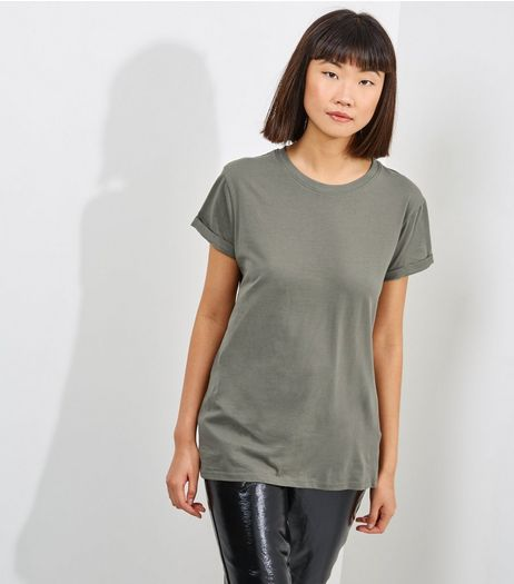 Petite Khaki Boyfriend T-shirt | New Look