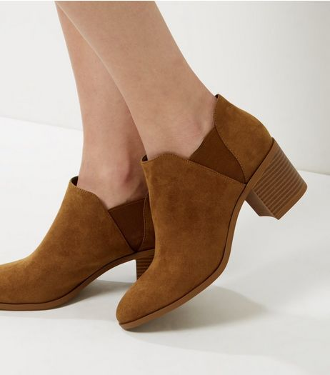 Wide Fit Tan Suedette Low Western Boots | New Look