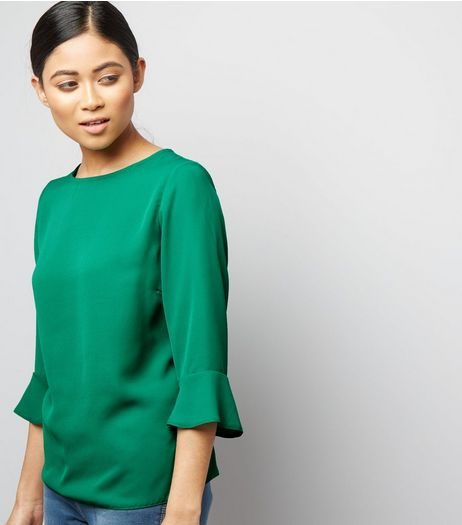 Petite Green Bell Sleeve Top | New Look