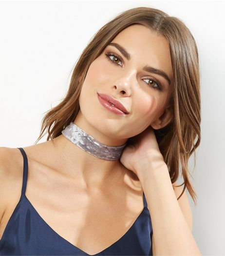 Pale Grey Crushed Velvet Choker | New Look