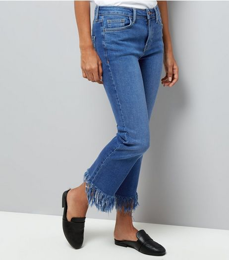 Petite Blue Extreme Fray Hem Flared Jeans | New Look
